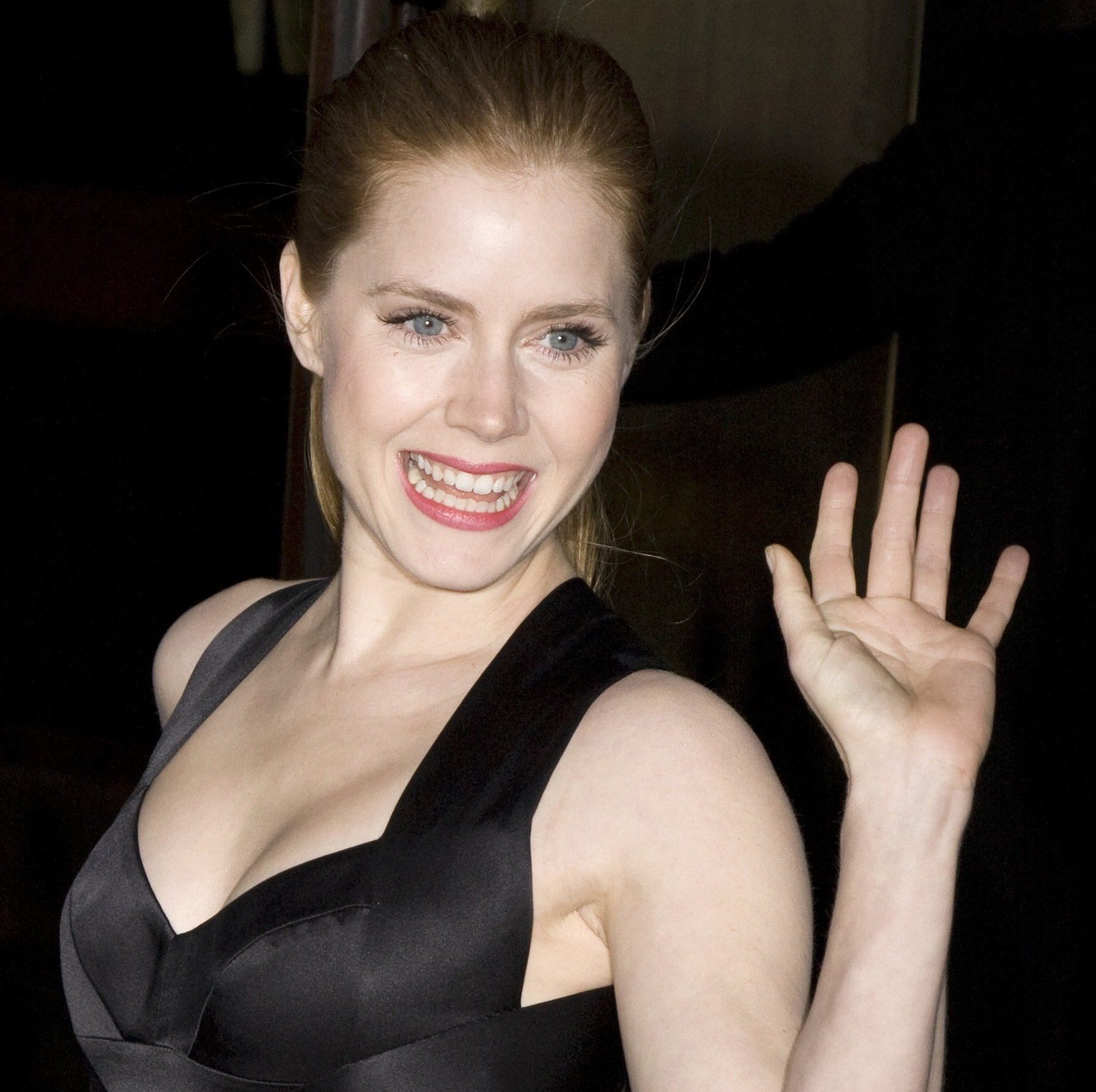 """Actress Amy Adams flaunts her boobs at the """"Miss Pettigrew Lives for a Day"""" premiere"""