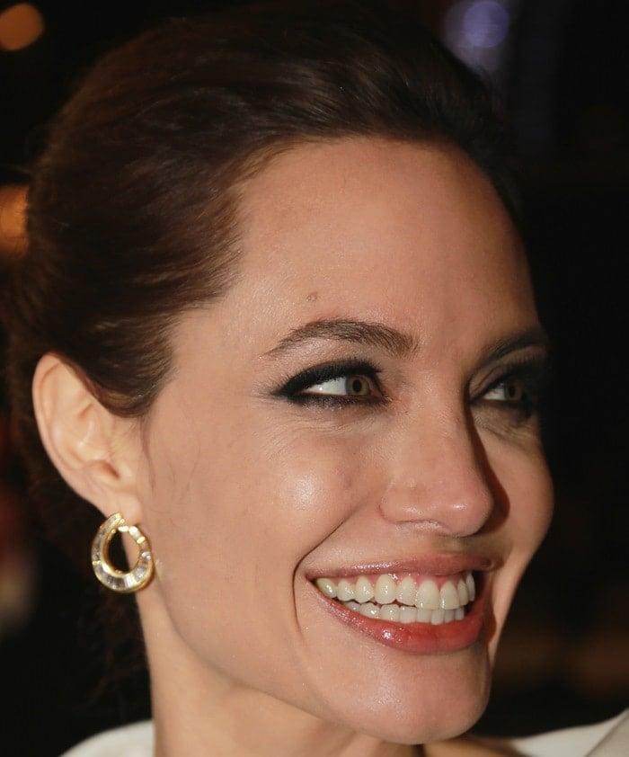 Angelina Jolie shows off herBeladora vintage earrings