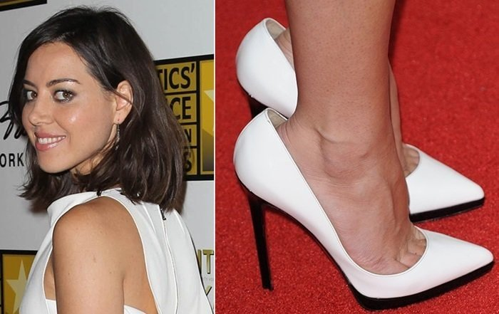 Aubrey Plaza in Christian Louboutin Pigalle Plato pumps with a gigantic gap between her ankle and the back of her shoes