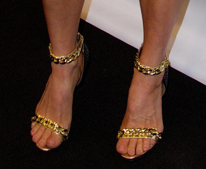 Fergie-in-Fergie-Razor-Sandals