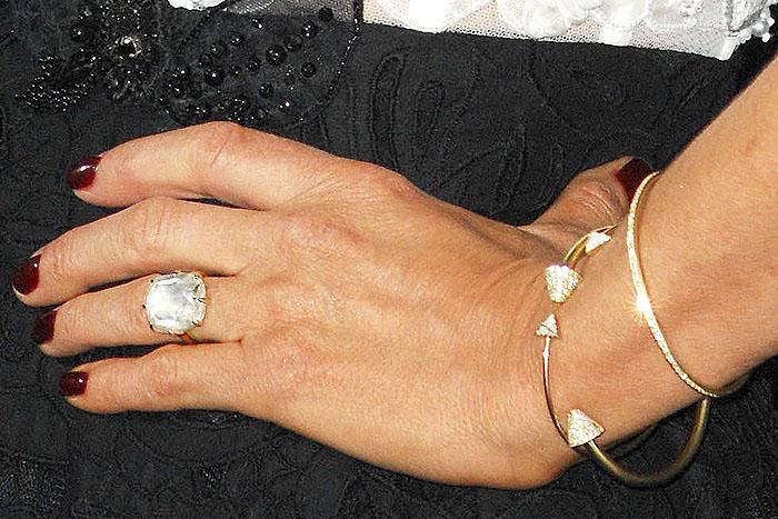 Jennifer Aniston's 8-carat diamond engagement ring