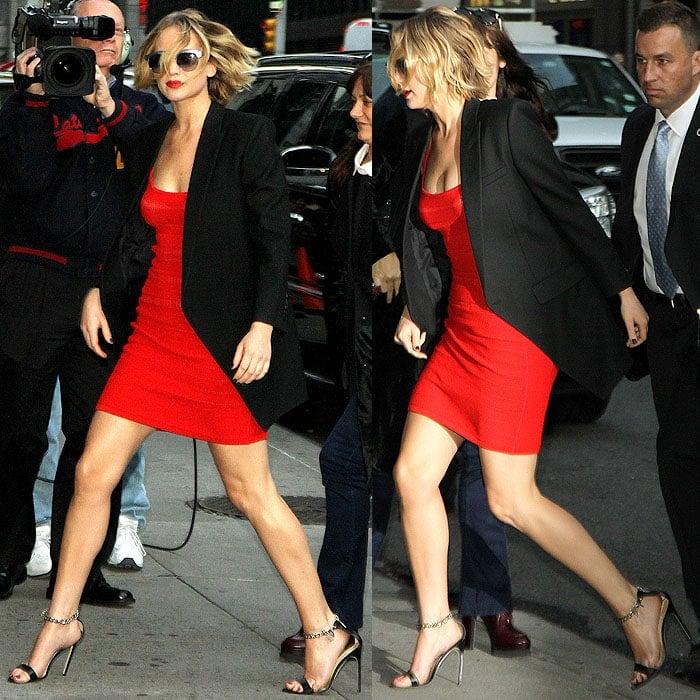Jennifer Lawrence Changes Shoes 3 Times For David Letterman