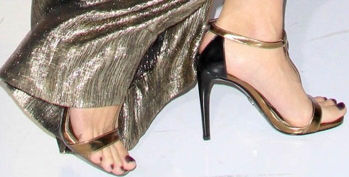 Jessica Simpson's feet in Prada sandals