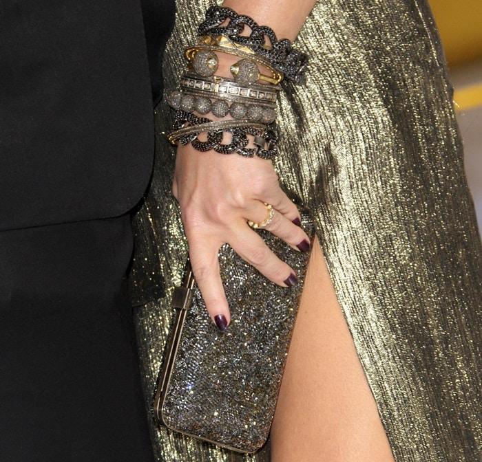 Jessica Simpson accessorizes with Neil Lane jewelry