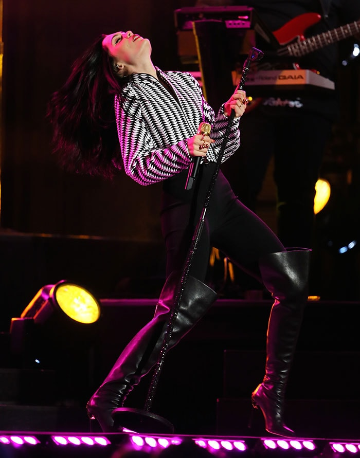 Jessie-J-performing-on-Jimmy-Kimmel-Live-2
