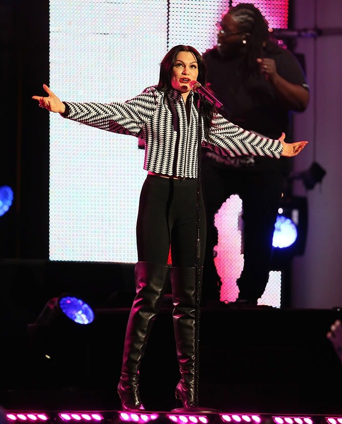 Jessie-J-performing-on-Jimmy-Kimmel-Live!