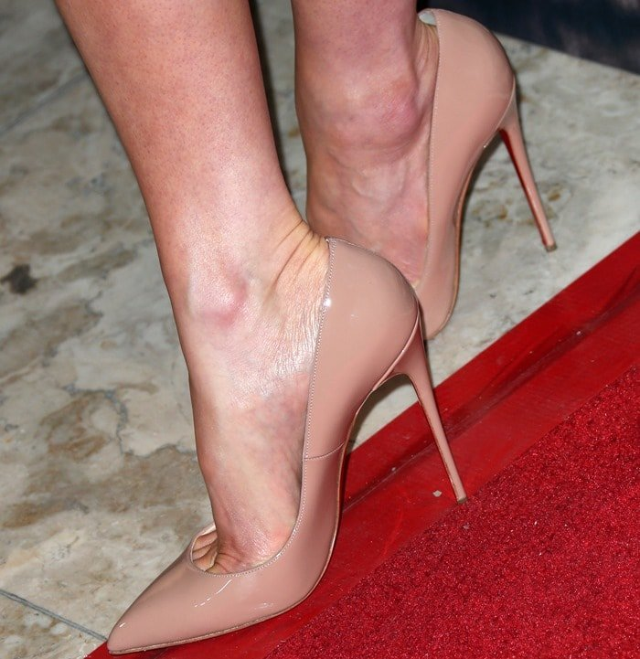 "Kate Beckinsale rocking nude ""So Kate"" pumps by Christian Louboutin"