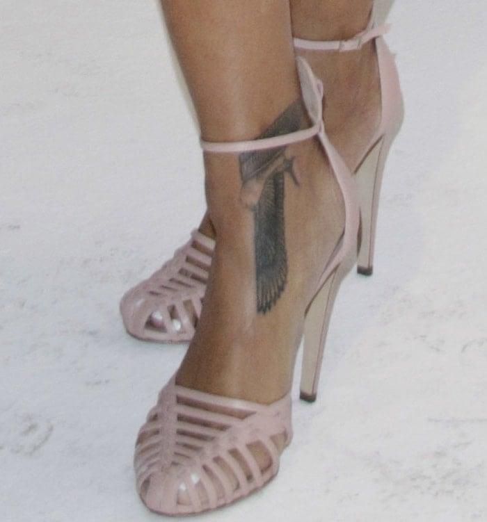 Rihanna's sexy feet inAltuzarra Cocco sandals