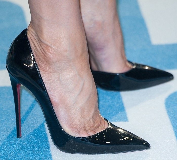 Jennifer Aniston shows off her sexy feet in Christian Louboutin pumps