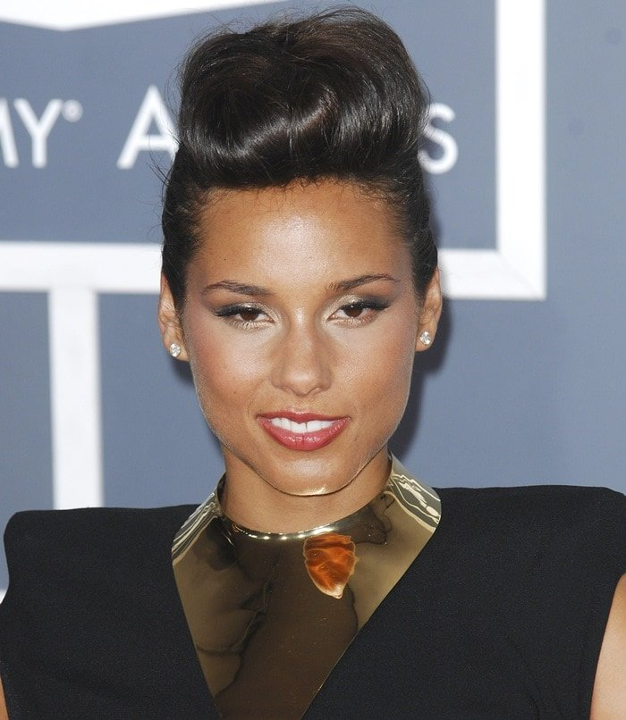 Alicia Keys donned a little black dress from the Alexandre Vauthier Spring 2012 Couture collection featuring padded shoulders