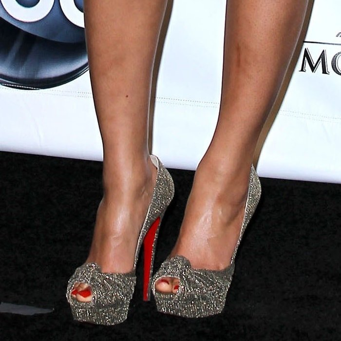 Beyonce Knowles shows off her pedicure in peep-toe Christian Louboutin pumps