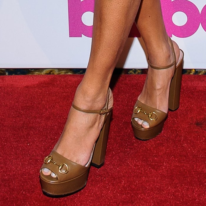 Beyonce showed off her feet in chocolate-colored Gucci horsebit-detailed suede sandals with platforms and peep toes