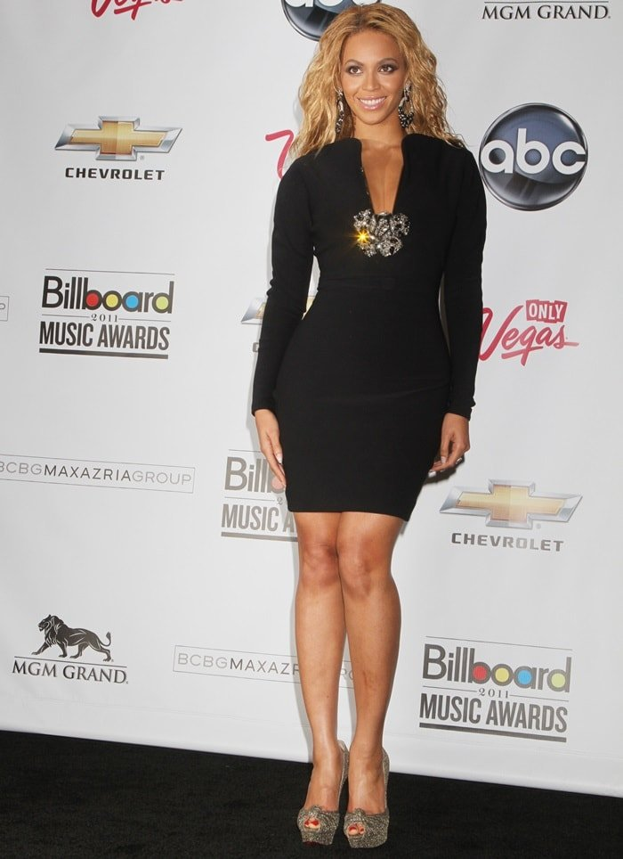 Beyonce also showed off her legs at the 2011 Billboard Music Awards in Las Vegas wearing a Lanvin Fall 2011 dress featuring intricate brooch detailing