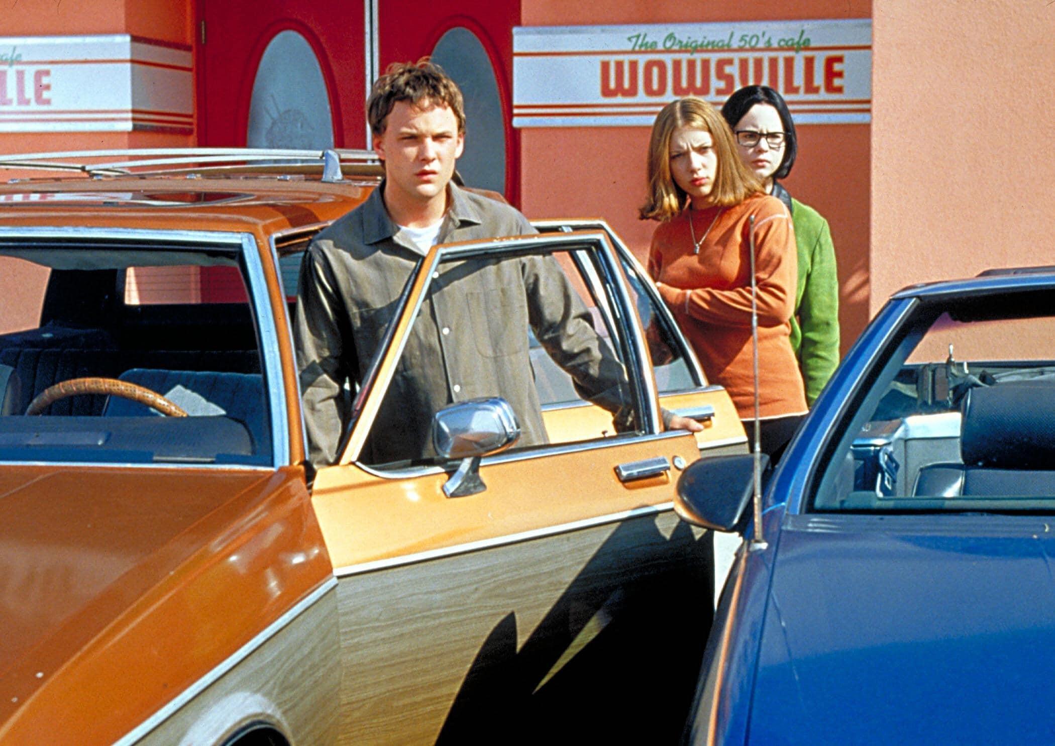 Brad Renfro as Josh, Scarlett Johansson as Rebecca Doppelmeyer, and Thora Birch as Enid Coleslaw in Ghost World