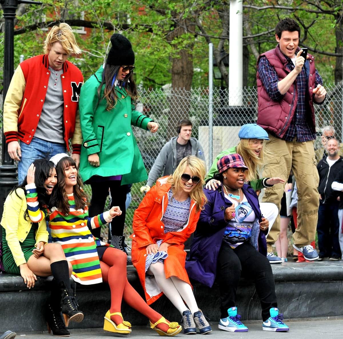 Chord Overstreet, Jenna Ushkowitz, Cory Monteith, Naya Rivera, Lea Michele, Dianna Agron, Heather Morris, and Amber Riley on location for 'Glee'