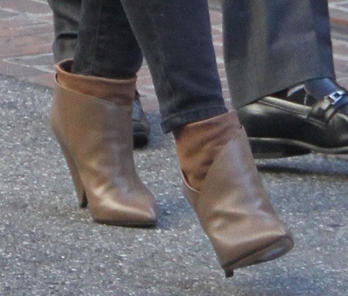Hilary Duff'skhaki Kasey cone-heel booties by IRO