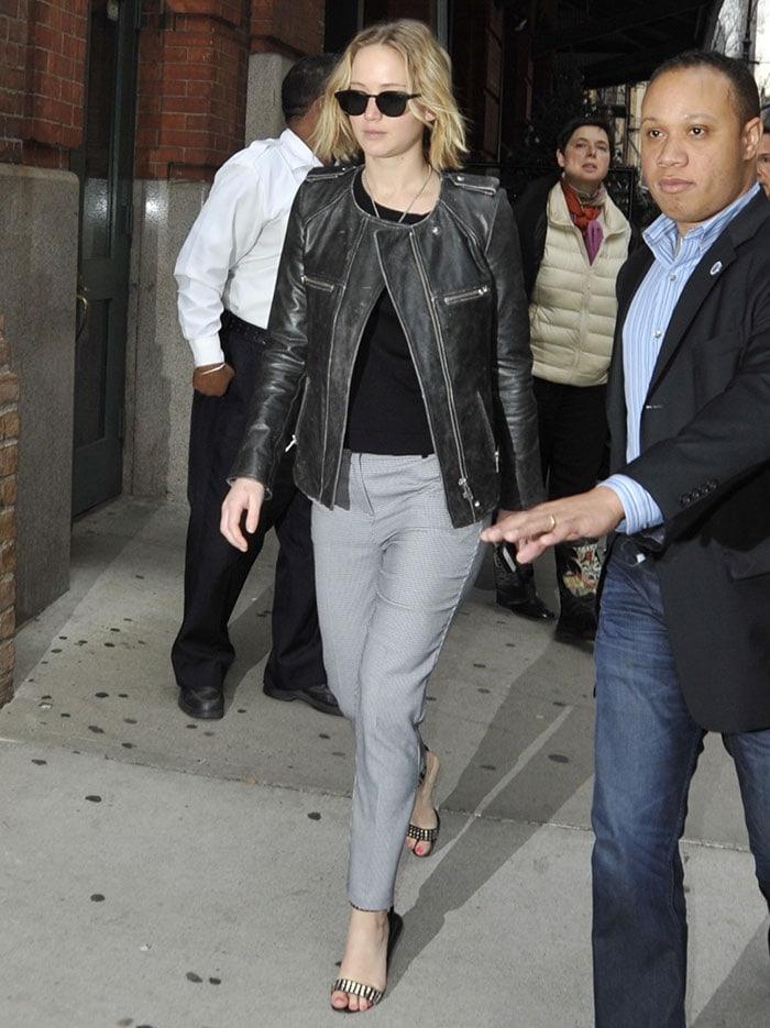 Jennifer-Lawrence-Manhattan-Hotel