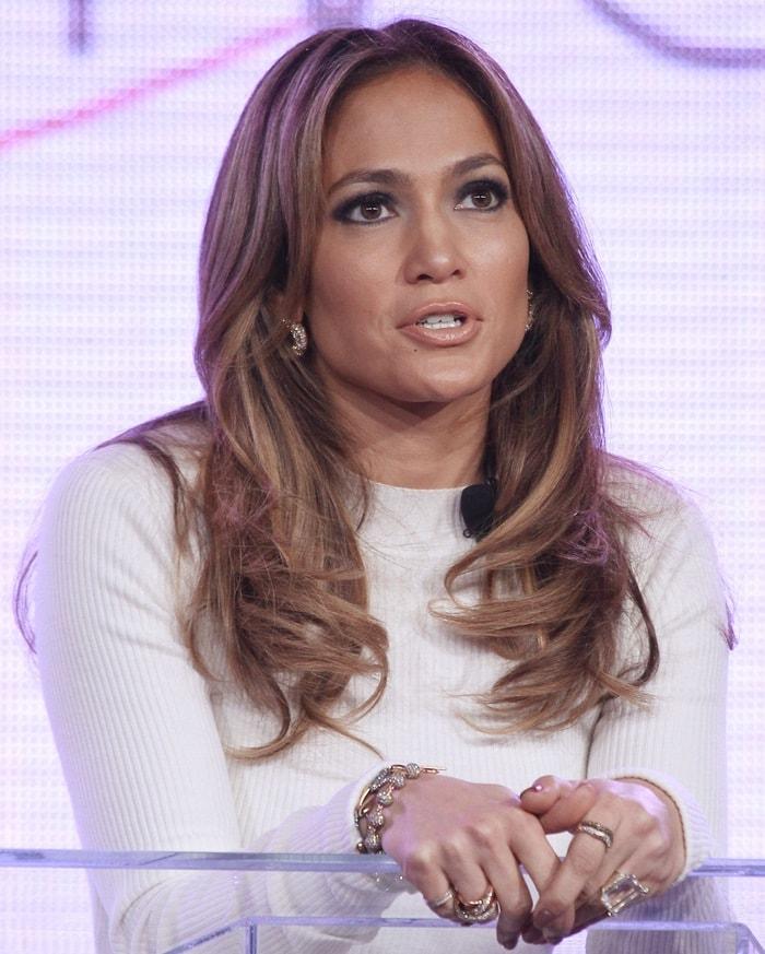 Jennifer Lopez wearingdiamond earrings by Marina B