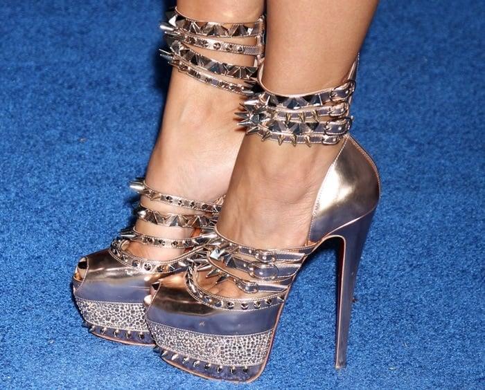 "Kim Kardashian's feet inChristian Louboutin ""Isolde"" sandals"