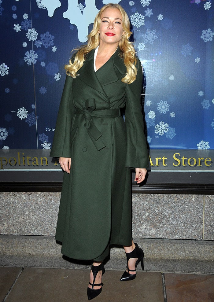 LeAnn Rimes at the 82nd Annual Rockefeller Center Christmas Tree Lighting Ceremony in New York City on December 3, 2014