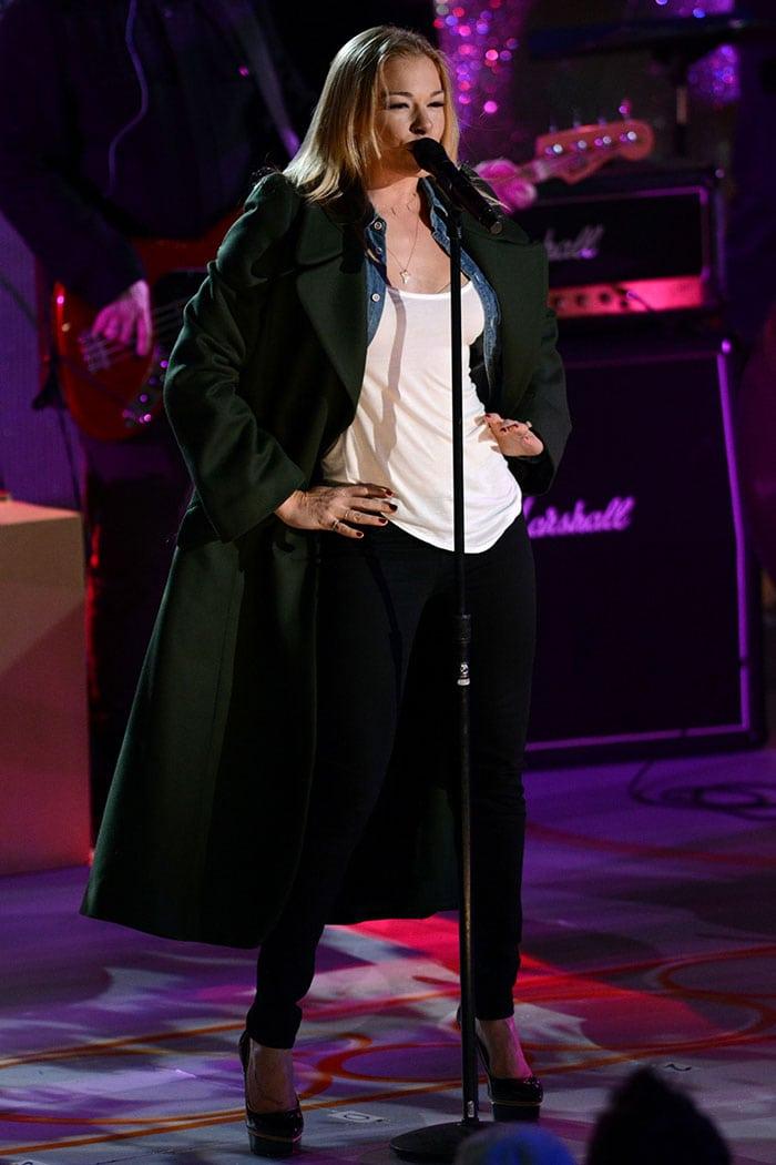 LeAnn Rimes rocking a long green coat