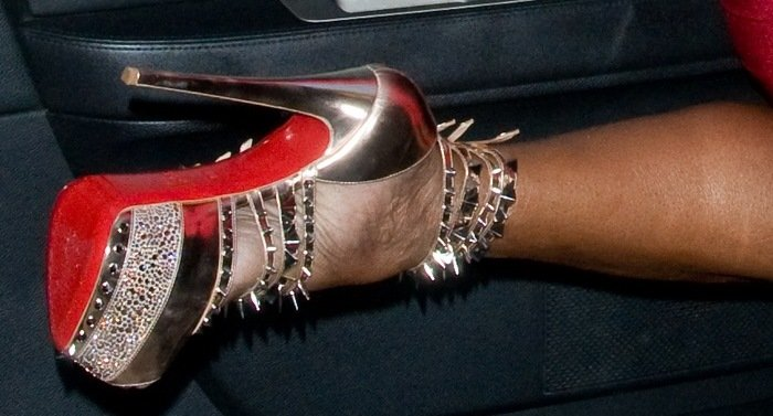 "NeNe Leakes showing off her feet inpink ""Isolde"" sandals"
