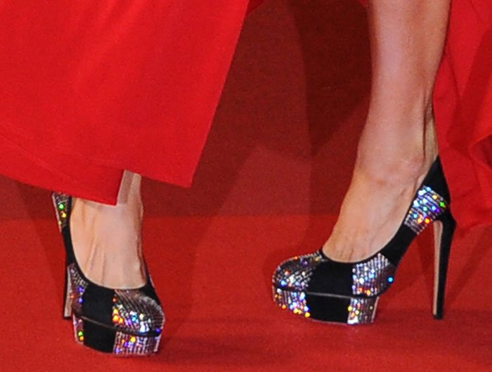 Paris Hilton shows off her feet inPaparazzi pumps by Charlotte Olympia