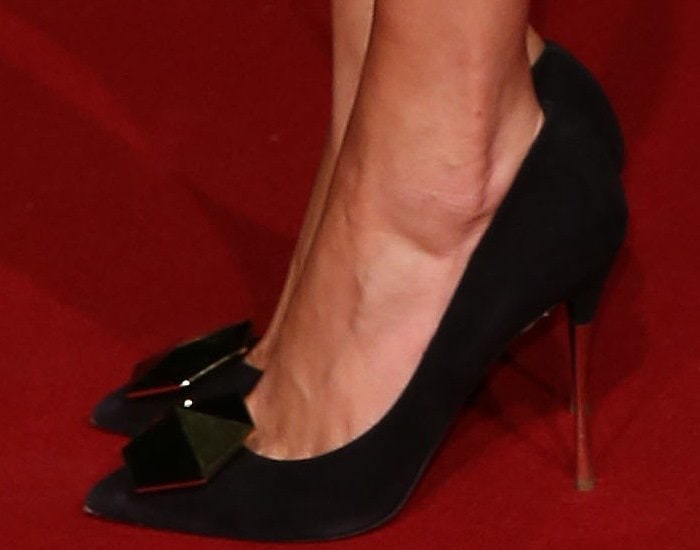 Poppy Angela Delevingne shows off her sexy feet in Nicholas Kirkwood shoes