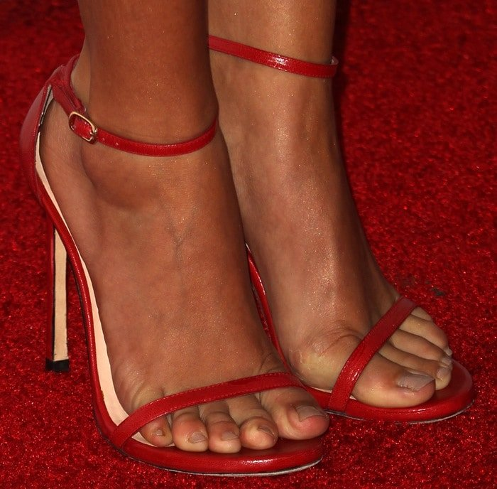 Sarah Hyland shows off her perfect feet in red Nudist sandals