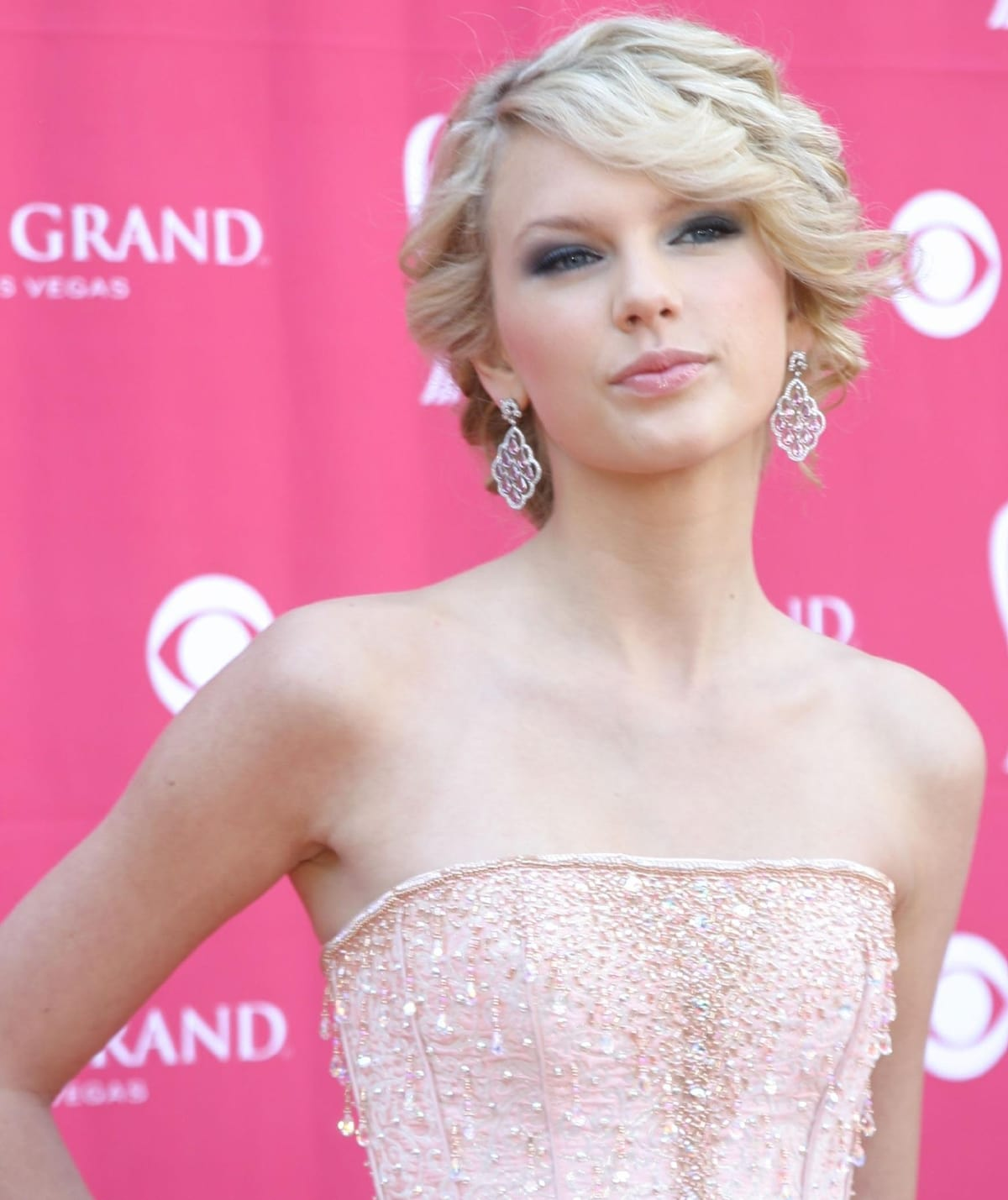 Taylor Swift at the 42nd Academy of Country Music Awards