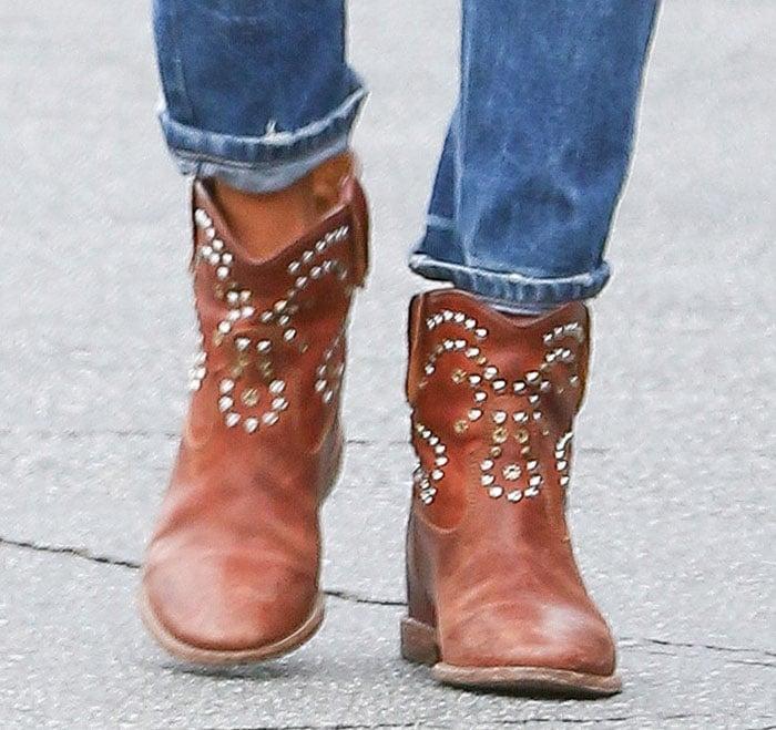 "Alessandra Ambrosio wearsIsabel Marant's""Caleen"" boots"