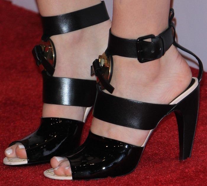 Chloë Grace Moretz's pretty feet inugly Louis Vuitton sandals
