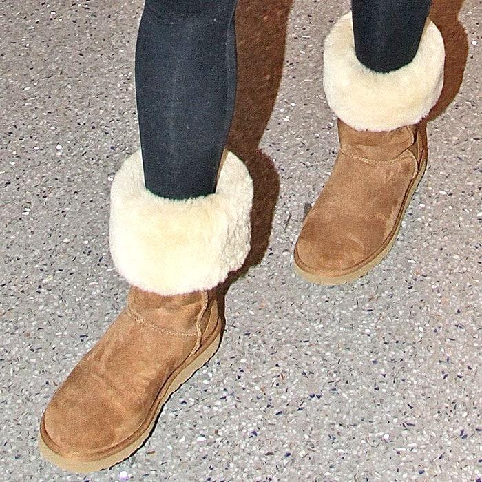 Chrissy Teigen Ugg classic tall boots chestnut