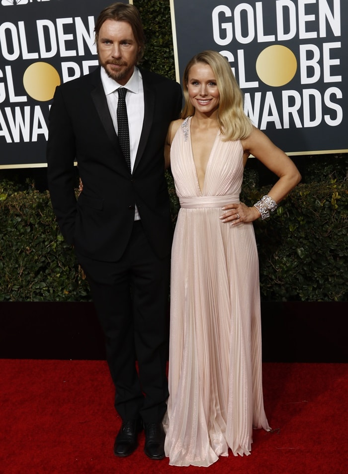 Kristen Bell with her husband Dax Shepard on the red carpet at the 2019 Golden Globe Awards