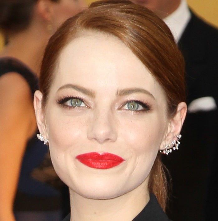 Emma Stone is drop-dead gorgeous as she arrives at the 2015 Screen Actors Guild Awards held at the Shrine Auditorium in Los Angeles on January 25, 2015
