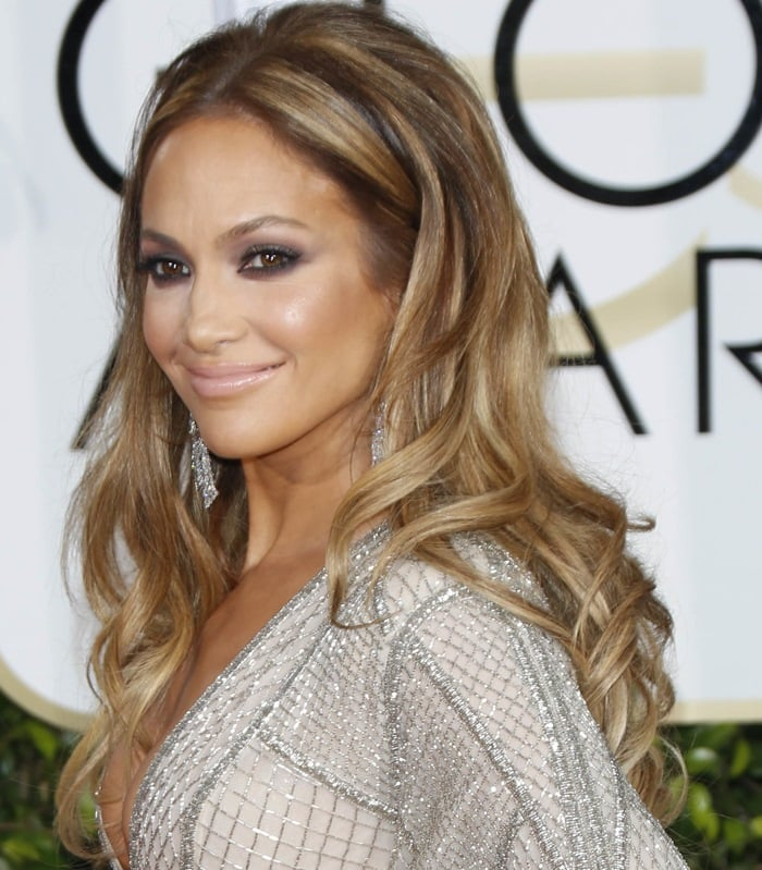 Jennifer Lopez'sextremely sexy gown from Zuhair Murad
