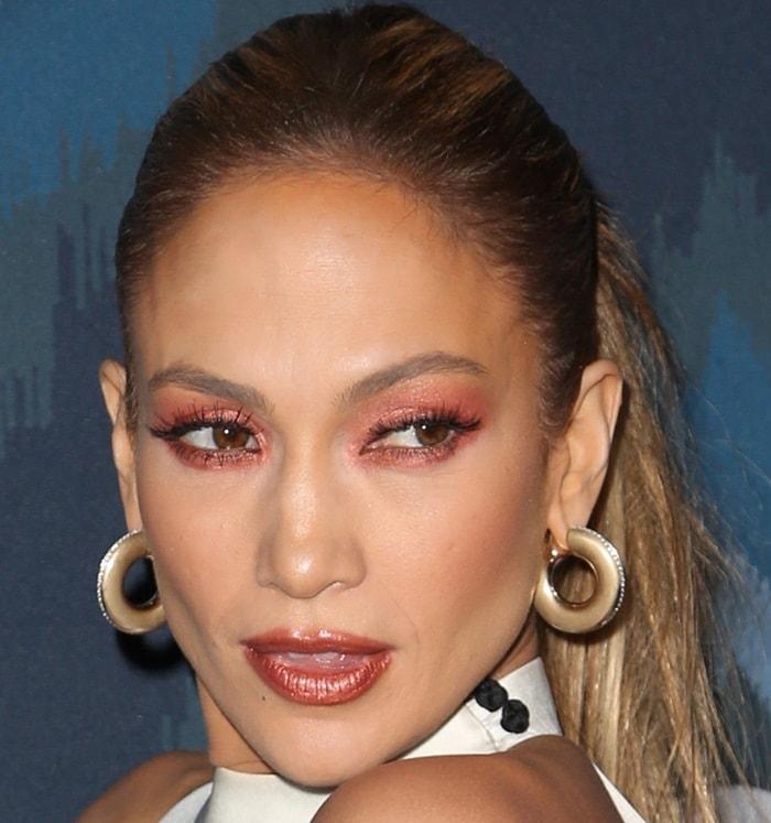 Jennifer Lopez wears her hair back