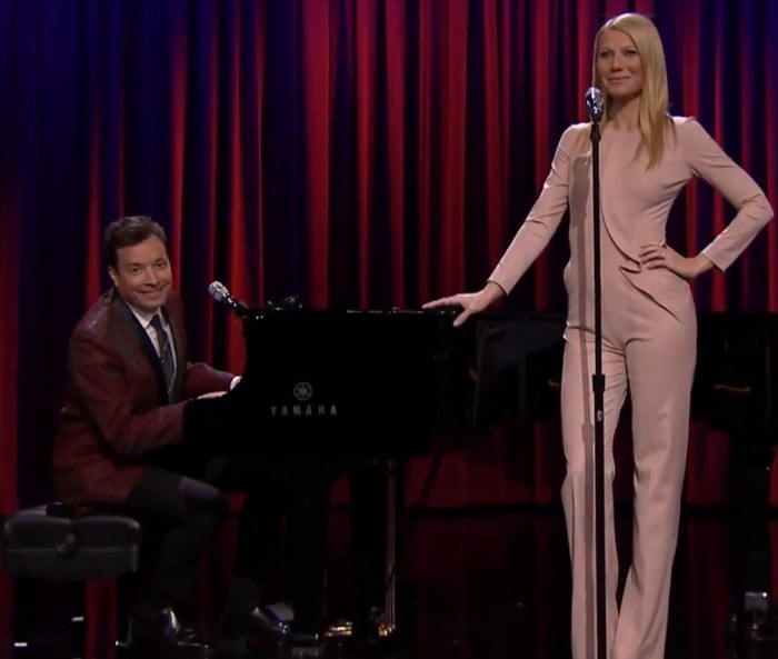 Gwyneth Paltrow'stight pantsuit left both her camel toe and Spanx clearly visible
