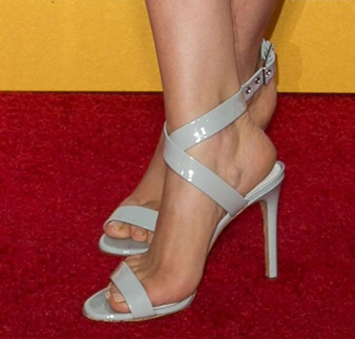 Kaley Cuoco's sexy feet in Pedro Garcia sandals