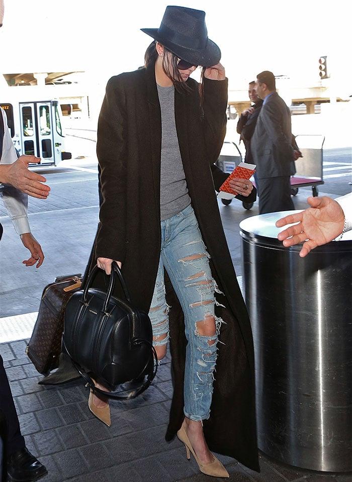 Kendall Jenner's deconstructed Rag & Bone boyfriend jeans
