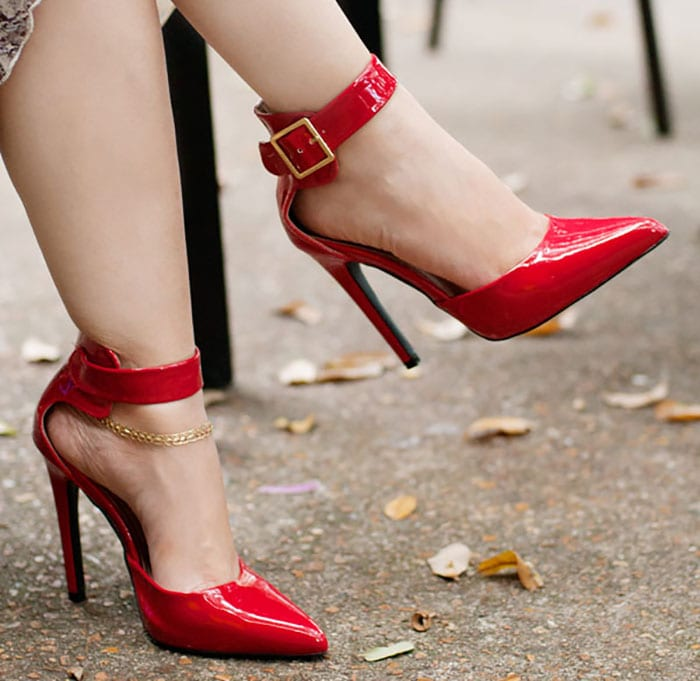 Lynne's striking red pumps