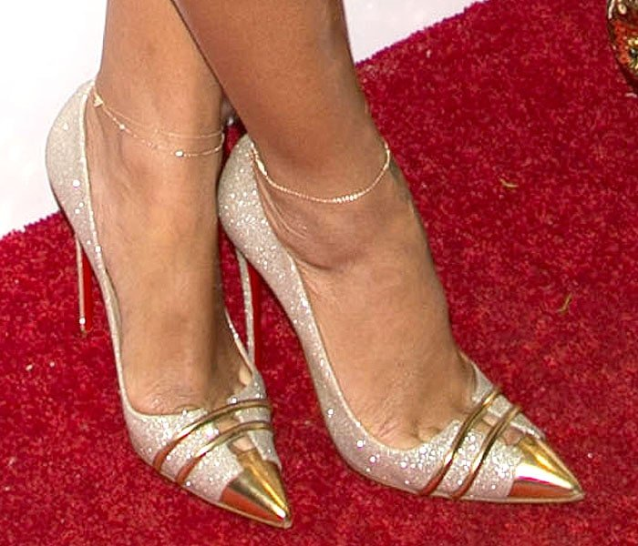 Rihanna's toe cleavage in Christian Louboutin Front Double pumps