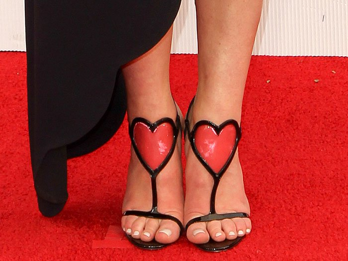Sophie Turner's sexy feet in Christian Louboutin Cora Heart sandals