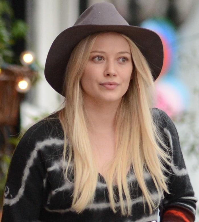 Hilary Duff's stylish wide-brimmed felt hat