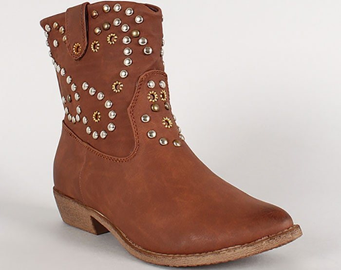 Wild Diva Ripley-30 Leatherette Studded Pointy-Toe Western Booties