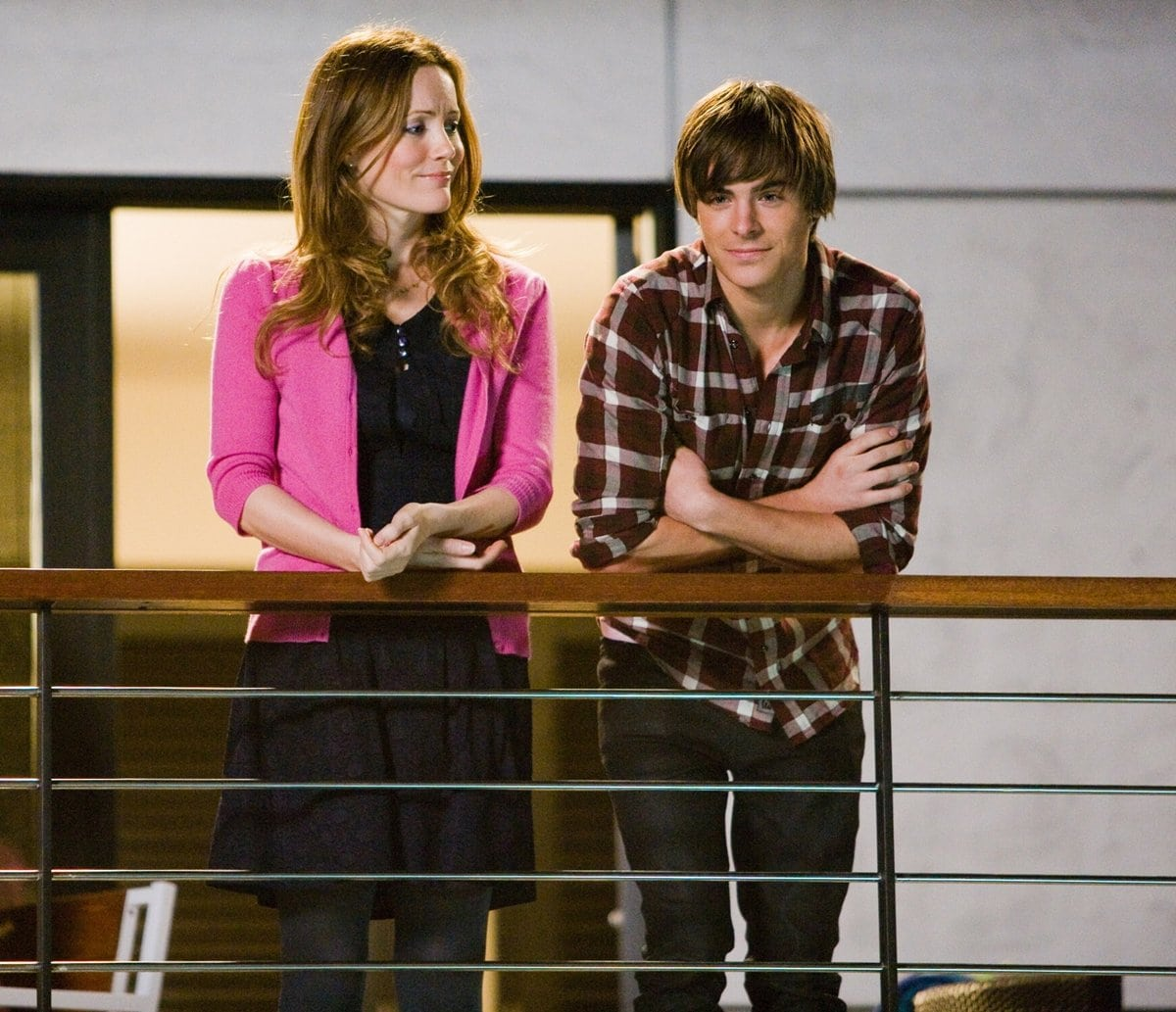 Zac Efron and Leslie Mann in 17 Again, a 2009 American fantasy comedy film directed by Burr Steers