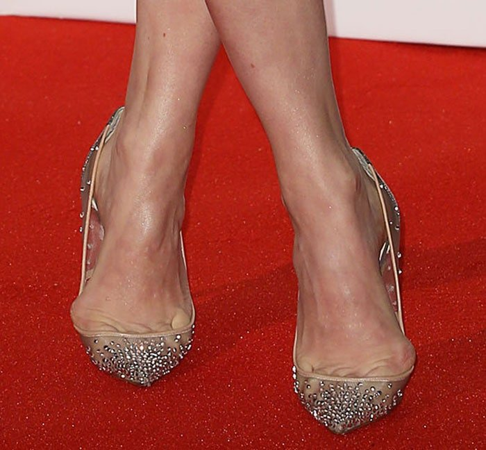 Amy Adams' toe cleavage in Christian Louboutin pumps