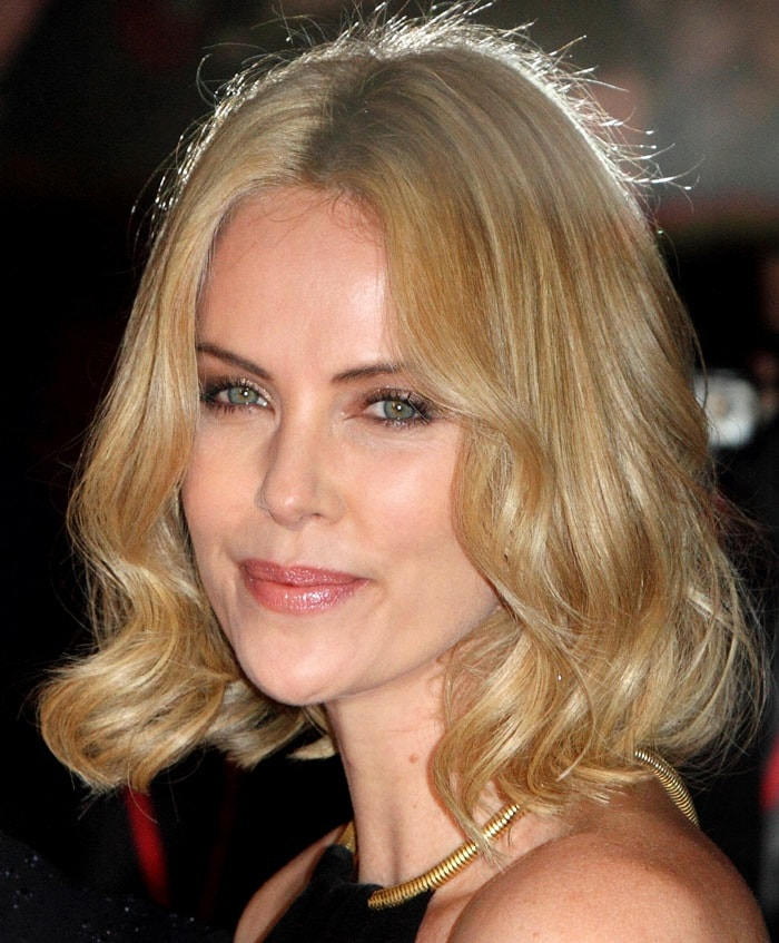 Charlize Theron is much taller than you'd think