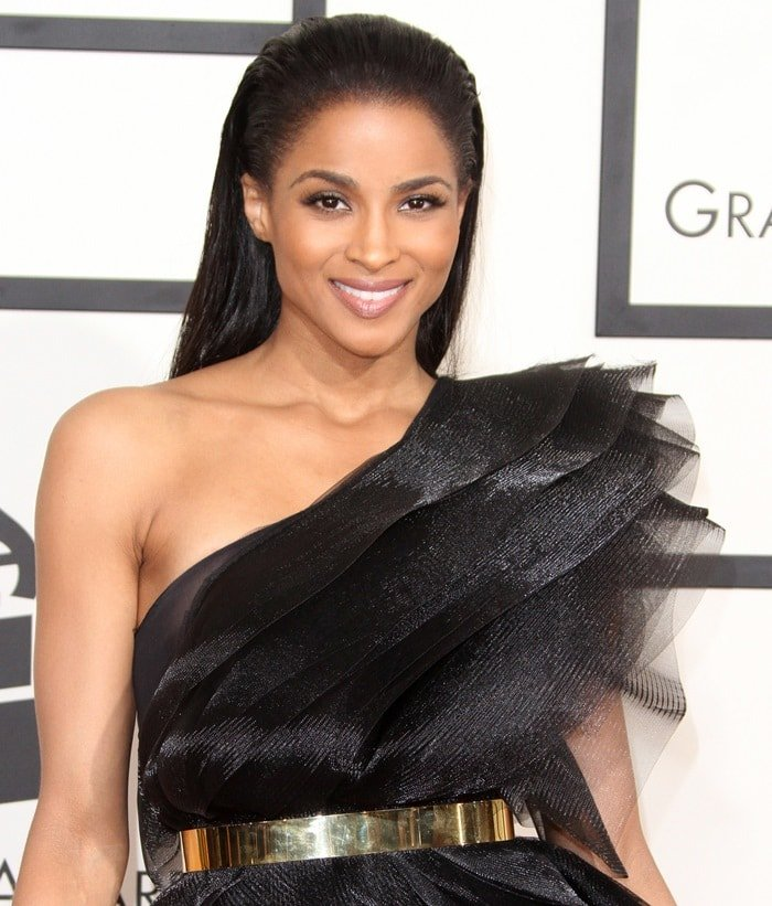 Ciara's swept-back hairstyle on the red carpet at the 2015 Grammy Awards