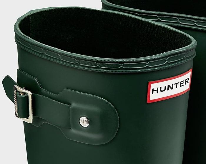 Check the Hunter logo label